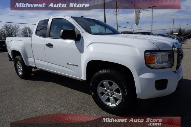 Pre-Owned 2015 GMC Canyon Base