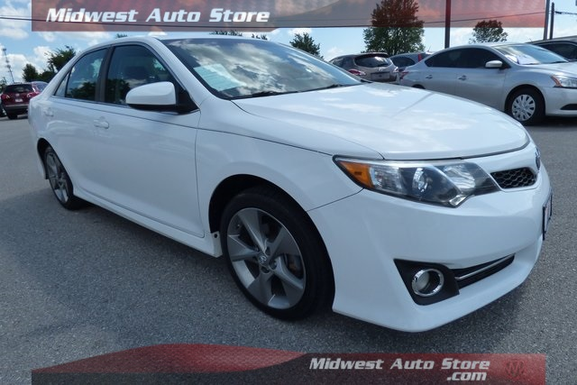Pre-Owned 2014 Toyota Camry SE Sport