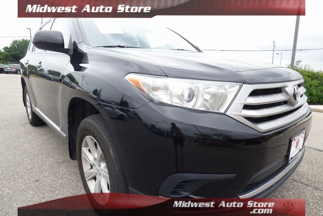 Pre-Owned 2013 Toyota Highlander Base